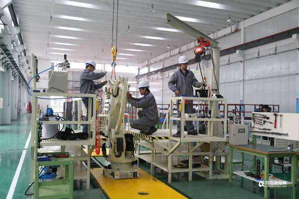 新年伊始立时,青岛高新区星华智能装备及软件控制技术产业化基地项目正式奠基下身穿。该项目计划总投资5亿元叙旧先,建成后将成为全国领先样失态、北方最大的工业机器人……